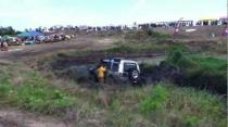Land Rover Tomcat Rescues A Discovery - May Day Mud Fest Barbados - 2012